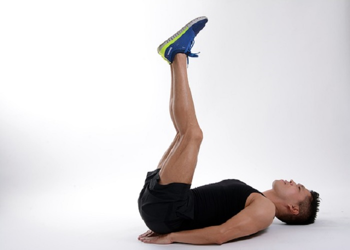 Leg raise exercise steps and benefits in Hindi